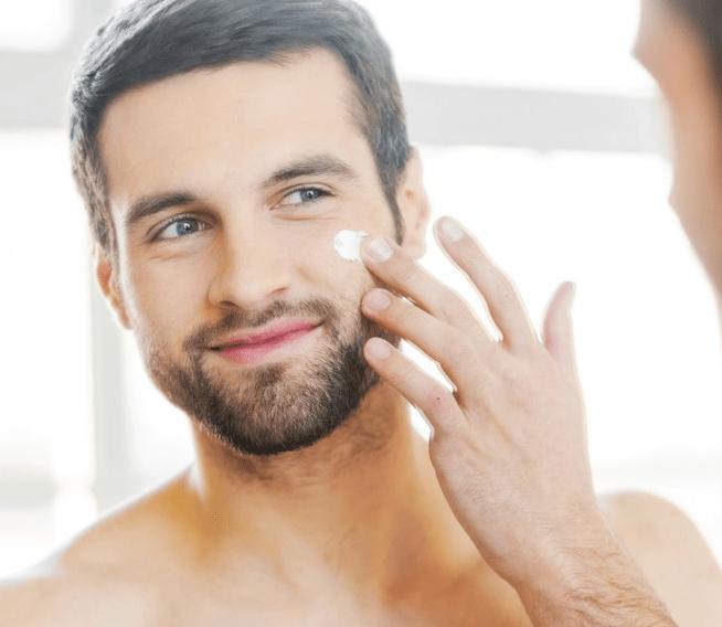 Nam giới có nên dùng sữa rửa mặt không?