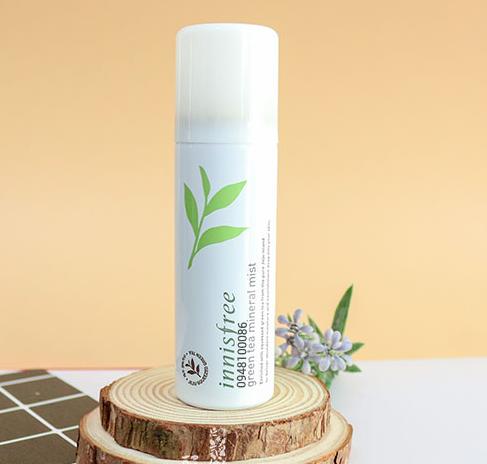 Xịt khoáng innisfree cho da dầu mụn - Green Tea Mineral Mist